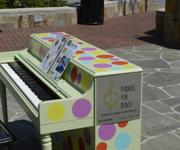 Display Piano