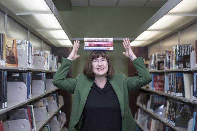 Anna Librarian 3