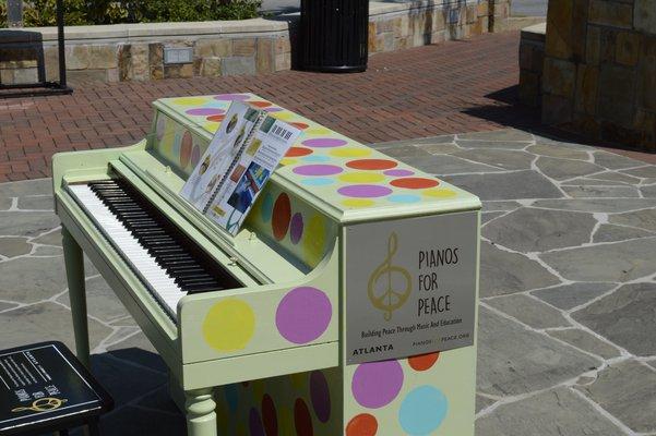 Display Piano